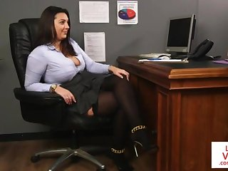 Office honey teaches slave shacking up partner all round masturbate